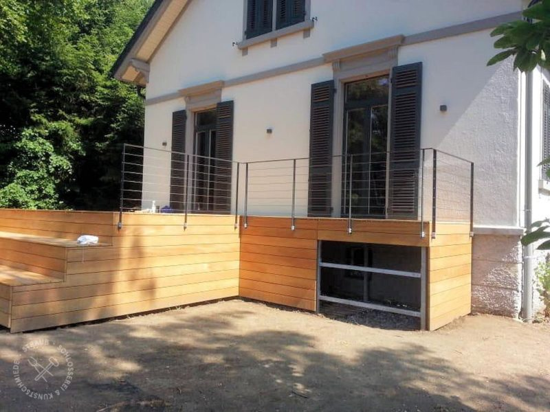 Unterstahlkonstruktion für Holzterrasse