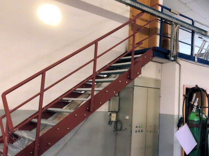 Industrietreppe Gewerbehalle