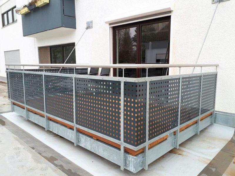 Abgehängter Balkon