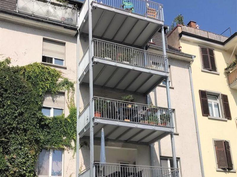 Mehrgeschossiger Balkon